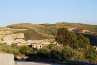 il paese distrutto dal terremoto del gennaio 1968 - 2 ottobre 2007  - Poggioreale (2336 clic)