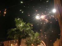 notte di capodanno in piazza Ciullo - spettacolo pirotecnico - 1 gennaio 2009  - Alcamo (3024 clic)