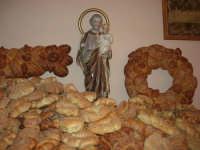 Gli altari di San Giuseppe - pani da donare ai visitatori - 18 marzo 2009    - Balestrate (4229 clic)