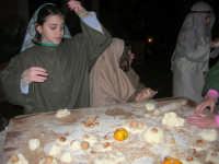 Presepe Vivente animato da alunni dell'Istituto Comprensivo G. Pascoli (71) - 22 dicembre 2007   - Castellammare del golfo (737 clic)