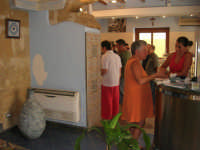 all'interno dei locali della Pescheria Randazzo in via Guglielmo Marconi - 21 luglio 2007   - Castellammare del golfo (1811 clic)