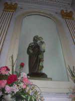 Santuario della Madonna del Ponte - interno - San Giuseppe con Bambino Gesù - 5 ottobre 2008  - Partinico (1561 clic)