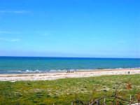 zona Canalotto: la spiaggia nel giorno della Pasquetta - 9 aprile 2007  - Alcamo marina (999 clic)