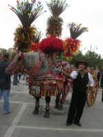 carretti siciliani e canti popolari in piazza Della Repubblica - 18 maggio 2008   - Alcamo (1108 clic)