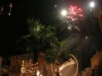 notte di capodanno in piazza Ciullo - spettacolo pirotecnico - 1 gennaio 2009  - Alcamo (2643 clic)