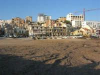 distesa di alghe - case sul lungomare - 6 aprile 2008   - Marinella di selinunte (836 clic)