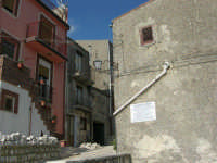per le vie del paese - 23 aprile 2006   - Prizzi (1799 clic)