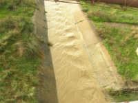 corso d'acqua dopo le abbondanti piogge della notte precedente - 1 febbraio 2009  - Erice (5030 clic)