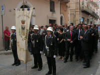 festeggiamenti in onore di Maria Santissima dei Miracoli, Patrona di Alcamo - Processione in corso 6 Aprile (corso stretto) - 21 giugno 2007  - Alcamo (1158 clic)