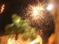 notte di capodanno in piazza Ciullo - spettacolo pirotecnico - 1 gennaio 2009  - Alcamo (2556 clic)