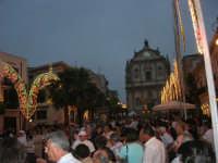 festeggiamenti in onore di Maria Santissima dei Miracoli, Patrona di Alcamo - Processione in piazza Ciullo - 21 giugno 2007  - Alcamo (962 clic)