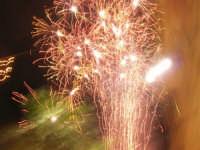 notte di capodanno in piazza Ciullo - spettacolo pirotecnico - 1 gennaio 2009  - Alcamo (3535 clic)