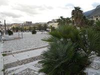 Piazza Petrolo - 11 dicembre 2009  - Castellammare del golfo (2047 clic)