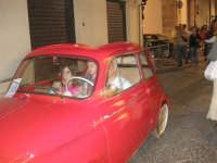Notte Bianca - Si festeggiano i 50 anni della mitica  500: sfilata nel corso IV Aprile (cassaru strittu)- (2)- 10 agosto 2007  - Alcamo (1191 clic)