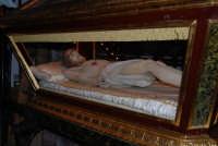 Venerdì Santo: processione del Cristo Morto e dell'Addolorata - il rientro nella Chiesa di Sant'Oliva - 21 marzo 2008   - Alcamo (925 clic)