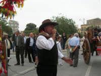 carretti siciliani e canti popolari in piazza Della Repubblica - 18 maggio 2008   - Alcamo (890 clic)