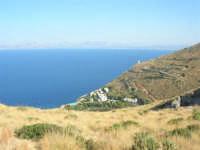 Torre di avvistamento, villaggio turistico e golfo di Castellammare - 30 agosto 2008    - Calampiso (2110 clic)