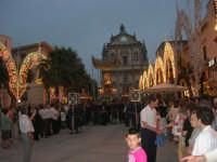 festeggiamenti in onore di Maria Santissima dei Miracoli, Patrona di Alcamo - Processione in piazza Ciullo - 21 giugno 2007  - Alcamo (1152 clic)