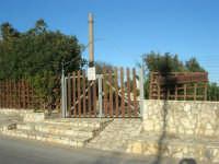 Chiesa Maria SS. delle Grazie: per tetto il cielo, per pareti il verde ed il mare - 3 marzo 2008  - Scopello (2430 clic)