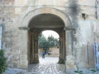 l'uscita dal Baglio Isonzo  - 3 marzo 2008  - Scopello (819 clic)