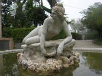 fontana con scultura - 1 maggio 2009   - Erice (1791 clic)