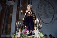 Venerdì Santo: processione del Cristo Morto e dell'Addolorata - il rientro nella Chiesa di Sant'Oliva - 21 marzo 2008   - Alcamo (1697 clic)