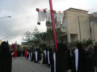Processione della Via Crucis con gruppi statuari viventi - 5 aprile 2009   - Buseto palizzolo (1886 clic)