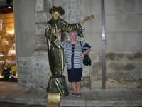 Festeggiamenti in onore di Maria Santissima dei Miracoli - Artisti di strada: il mimo Janusz Kopala  si esibisce nel corso VI Aprile - 17.6.2005  - Alcamo (2774 clic)