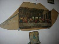La Madonna di lu Tribonu - Cappella dedicata alla Madonna del Ladro Buono (Via per Monte Bonifato): interno - 27 agosto 2007    - Alcamo (1024 clic)