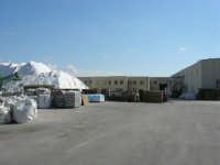 montagna di sale, dove viene lavorato e confezionato  - 28 settembre 2008  - Trapani (889 clic)