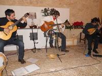 Concerto NAPOLINCANTO - Domenico De Luca (chitarra solista e percussione), Gianni Aversano (voce e chitarra), Ferdinando Piscopo (mandolino) - 10 dicembre 2009  - Alcamo (1580 clic)