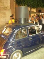 Notte Bianca - Si festeggiano i 50 anni della mitica  500: sfilata nel corso IV Aprile (cassaru strittu)- (7)- 10 agosto 2007  - Alcamo (1142 clic)