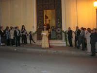 2° Corteo Storico di Santa Rita - Dinanzi la Chiesa S. Antonio - seconda uscita - Le dame con i segni della Santa - 17 maggio 2008  - Castellammare del golfo (508 clic)