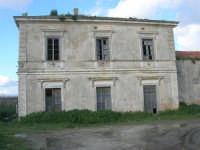 vecchia stazione ferroviaria in disuso - 9 marzo 2008   - Sambuca di sicilia (4977 clic)