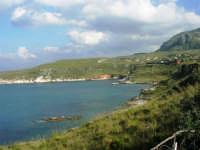 il litorale e le calette tra Castellammare e Guidaloca - 1 maggio 2007  - Castellammare del golfo (693 clic)