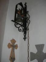 La Madonna di lu Tribonu - Cappella dedicata alla Madonna del Ladro Buono (Via per Monte Bonifato): interno - 27 agosto 2007    - Alcamo (745 clic)