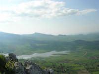 panorama: lago artificiale di Chiusa Sclafani - 23 aprile 2006   - Prizzi (2256 clic)