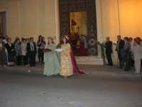 2° Corteo Storico di Santa Rita - Dinanzi la Chiesa S. Antonio - seconda uscita - Le dame con i segni della Santa - 17 maggio 2008  - Castellammare del golfo (737 clic)
