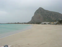 la spiaggia ed il mare spazzati dallo scirocco - 29 marzo 2009  - San vito lo capo (1722 clic)