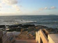 Capo Lilybeo - all'orizzonte le isole Egadi - 1 febbraio 2009   - Marsala (2955 clic)