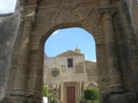 Porta San Salvatore e Chiesa del Carmine - 25 aprile 2008  - Sciacca (1309 clic)
