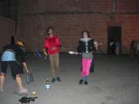 Cous Cous Fest 2007 - Artisti di strada si esibiscono in piazza Santuario - 28 settembre 2007   - San vito lo capo (767 clic)