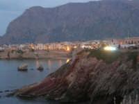 costa e scorcio del paese a sera - 23 settembre 2007   - Terrasini (1592 clic)