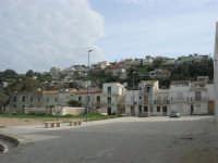 zona Tonnara - il piazzale, le case - 16 febbraio 2009  - Alcamo marina (2710 clic)