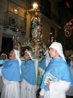 festa dell'Immacolata: la processione nel corso VI Aprile - 8 dicembre 2006   - Alcamo (1263 clic)
