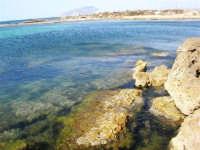 C/da Birgi Novo - scogliera, mare e costa - all'orizzonte il monte Erice - 25 maggio 2008  - Marsala (1176 clic)