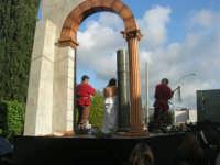 Processione della Via Crucis con gruppi statuari viventi - 5 aprile 2009  - Buseto palizzolo (1608 clic)