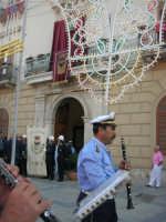 Festeggiamenti Maria SS. dei Miracoli - Cerimoniale della Calata - Discesa al Santuario - il Premiato Complesso Bandistico Città di Alcamo in Piazza Ciullo - 20 giugno 2008  - Alcamo (626 clic)