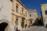 Casa Garibaldi - Municipio e Chiesa Parrocchiale di San Giuliano - 4 ottobre 2007  - Calatafimi segesta (932 clic)