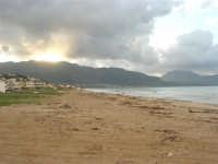 Zona Canalotto - la spiaggia ed il mare d'inverno - 8 febbraio 2009  - Alcamo marina (2523 clic)
